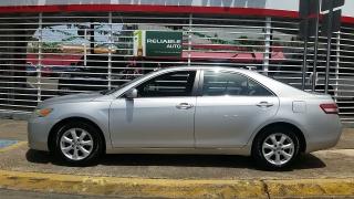 Toyota Camry LE Plateado 2010