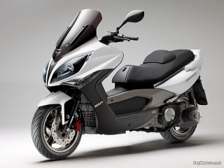 KYMCO XCITING 500I MAXISCOOTER