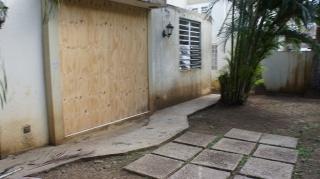 HAGA SU OFERTA!!!!  15-0322 Propiedad ubicada en Urb. Antillana, Trujillo Alto, PR.