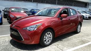 Toyota Yaris Sedan Rojo 2016