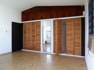 Se renta o alquila casa en área con control de acceso
