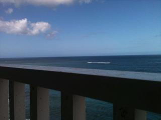 Bello apartamento de esquina frente al mar