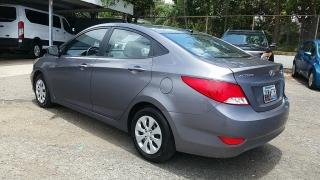 Hyundai Accent GL Gris Oscuro 2015