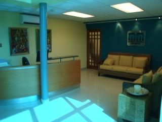 """Oficina de 10'5""""X24' en el EXPRESO TRUJILLO ALTO"""