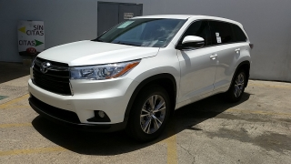 Toyota Highlander LE Plus Blanco 2016