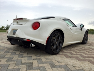 Alfa Romeo 4C Coupe Blanco 2015