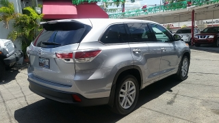 Toyota Highlander LE Plateado 2014