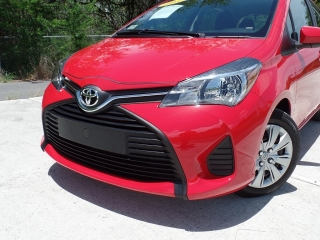 TOYOTA YARIS HATCH BACK 2015
