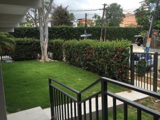 Garden Hills East - Crossing to Ramirez de Arrellano Ave.