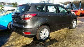 Ford Escape S Gris Oscuro 2017