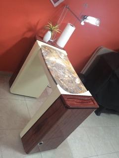 Mesa de Tecnica de uñas nueva sin usar