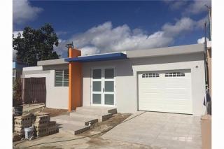 Santa Junaita - $119,00 787-784-4659