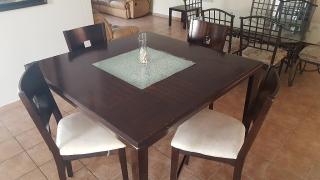 Mesa de comedor en venta $400