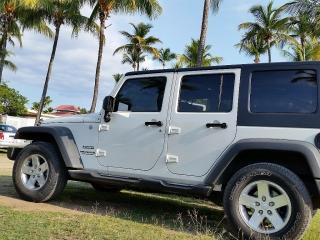 5 Aros 17 Originales Jeep Wrangler – Exelentes Condiciones