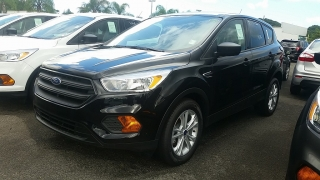Ford Escape S Negro 2017