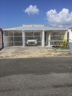Villas de Loiza Calle 7 $675 3H 4B