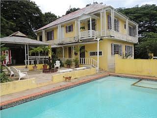 Hacienda en Caimito 4h, 4b $325k OMO