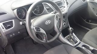 Hyundai Elantra Se Marron 2015