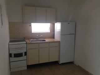 Santa Rosa 2hab-1baño - $475.00 /787-784-4659