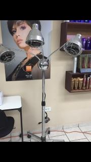 Moderna lampara para procesar quimicos y trat en salon belleza
