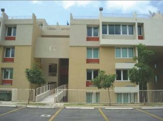 Condominio Montecentro: Excelente, Amplio y Fresco apto.