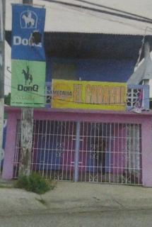 Negocio de dos plantas, barrio Caracoles en Ponce