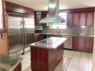 Spectacular 4 Bedroom Remodeled Apartment!
