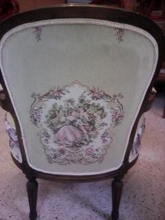 Sillas Luis XV en caoba $300
