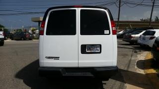 Chevrolet Express Passenger LS Blanco 2014