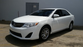 Toyota Camry LE Blanco 2013