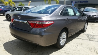Toyota Camry Gris%20Oscuro 2017