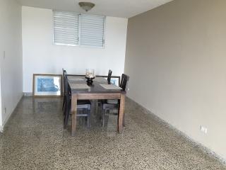 Espacioso apartamento en Miramar.