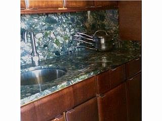 $695 / 1br - 1h/1b - Mansiones de Garden Hills - Moderno
