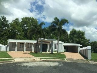 OPCIONADA!!! 15-0357 Propiedad de ubicada en la Urb. Terralinda en Caguas, PR.