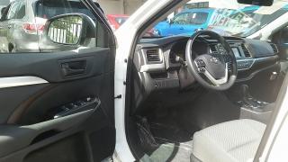 Toyota Highlander LE Blanco 2016