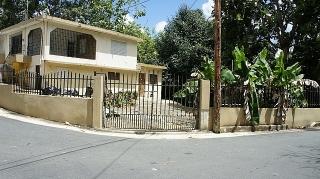 16-0122 En Reparto Santa Maria Trujillo Alto