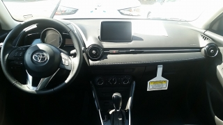 Toyota Yaris iA Negro 2017