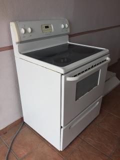 Venta de estufa electrica, microhonda y extractor de grasa
