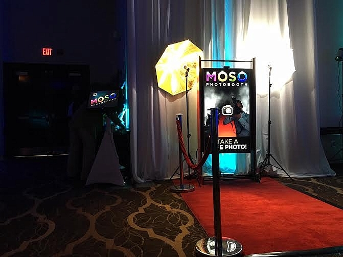 VIDEO & PHOTO BOOTH