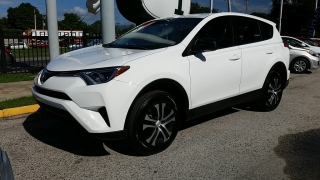 Toyota Rav4 Le White 2016