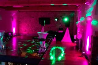 Servicio DJ Luces Karaoke Musica Humo Burbujas