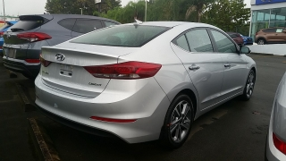 Hyundai Elantra Limited Plateado 2017
