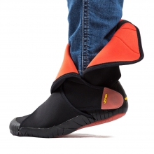 Unisex Furoshiki Neoprene Mid-Cut Boot by Vibram in Lafayette La