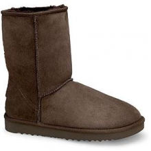 Classic Short Boots Women's, Chocolate, 10 by Ugg Australia