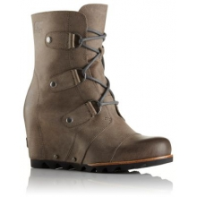 Women's Joan Of Arctic Wedge Mid by Columbia in Little Rock AR