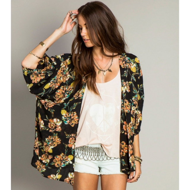 O'Neill - Simone Kimono - Closeout Black Medium / Large