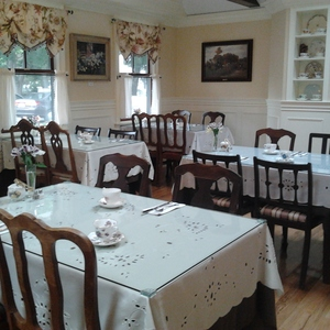 Heath&#x27;s Tea Room Restaurant