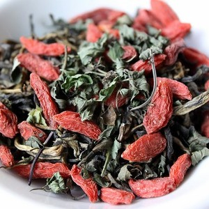 Chocolate Mint Goji Black tea from Royal Tea Co