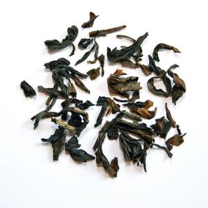 Formosa Oolong Choicest (mild) from Queen Cha. Oolong Tee