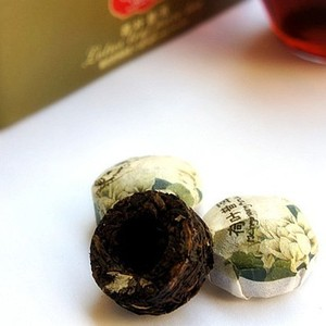 Ripe Pu Erh with lotus from Yunnan Sourcing